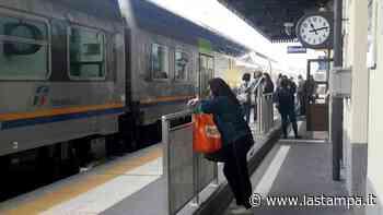 """Le proteste dei pendolari: """"Troppi disagi a Ovada, il treno per Genova lo prenderemo a Novi"""" - La Stampa"""