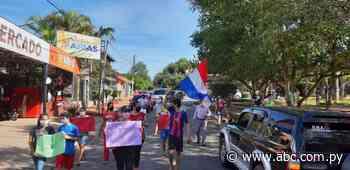 Manifestación contra sobrefacturaciones de la ANDE en Loma Grande - Nacionales - ABC Color