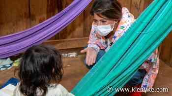 Primera dama viajó a Vichada para llevar ayudas a niños de Cumaribo   KienyKe - KienyKe
