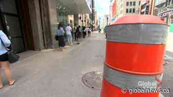 COVID-19: Montreal shoppers adjusting to a new normal on Sainte-Catherine Street | Watch News Videos Online - Globalnews.ca