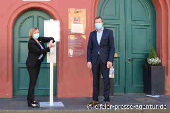 Peter Greven Gruppe spendet Desinfektionsmittel und Spendersäulen - Eifeler Presse Agentur - Nachrichten
