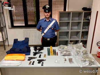 Isola di Capo Rizzuto (Kr), armi e droga in uno stabile disabitato - wesud