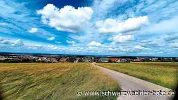 Straubenhardt: Schäfchenwolken am Himmel über Straubenhardt brachten am Samstag überwiegend gutes Wetter - Straubenhardt - Schwarzwälder Bote