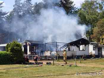 Vuur verwoest chalet op Tulderheyde - Gazet van Antwerpen