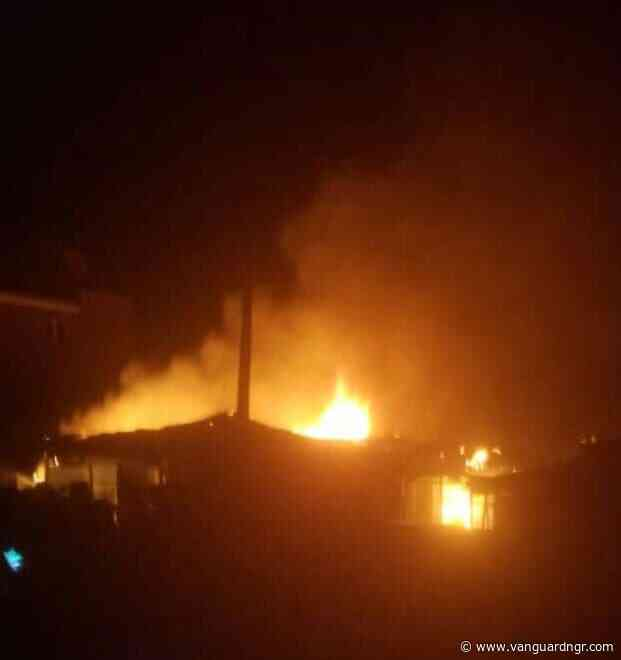 Breaking: Fire razes houses in Akure as property worth millions of naira destroyed - Vanguard