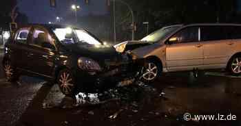 Autos prallen beim Abbiegen in Schötmar gegeneinander | Lokale Nachrichten aus Bad Salzuflen - Lippische Landes-Zeitung