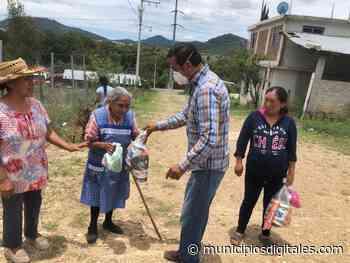 Dona empresario automotriz a Regidor de Tlaxiaco paquetes con productos de la canasta básica para familias vulnerables - Municipios Digitales