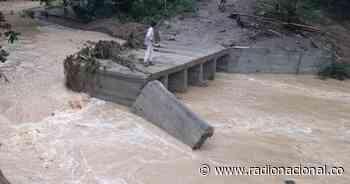 Puente colapsó por creciente tras fuertes lluvias en Santa Rosa, Bolívar - http://www.radionacional.co/