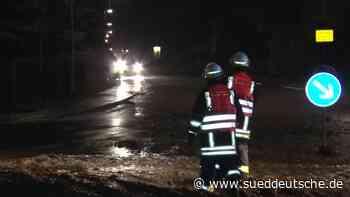Gewitter: Zwei Tote, volle Keller und gesperrte Straßen - Süddeutsche Zeitung