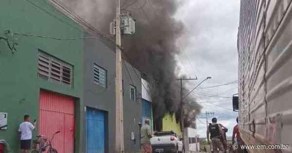 Incêndio em fábrica de calçados de Nova Serrana deixa dois mortos - Estado de Minas