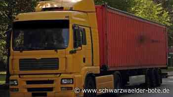 Blaulicht vom 15. Juni : Lastwagen steckt fest und blockiert Landstraße in Hornberg - Schwarzwälder Bote
