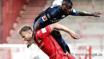 SC Paderborn steigt ab, SC Freiburg blickt dank Nils Petersen nach Europa