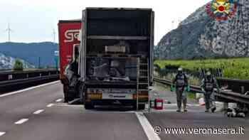 Tamponamento tra tir con liquidi pericolosi sulla A22: grave un autista - Verona Sera