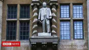 Minister rejects pulling down Rhodes statue