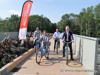 Dankzij deze fietsersbrug kunnen ook dieren veilig de snelweg oversteken