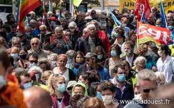 Colère des soignants : ils ont défilé à Rochefort, Saintes, Jonzac et La Rochelle - Sud Ouest