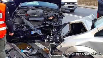 Incidente frontale tra due auto a Villa Carcina, code sulla provinciale 345 - BresciaToday