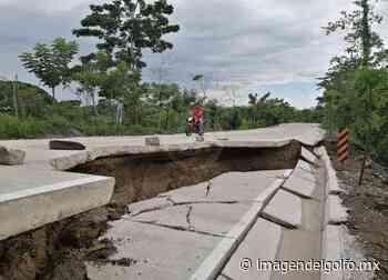 Se deslava tramo recién construido en carretera Las Choapas-Cerro de Nanchital - Imagen del Golfo