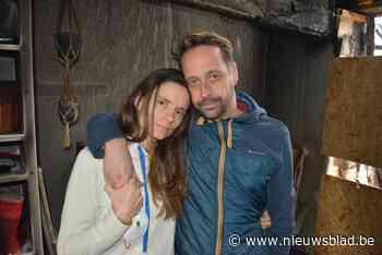 """Sylvie en Wim verkopen dan toch hun door brand verwoeste droomhuis: """"Enorm emotioneel om knoop eindelijk door te hakken"""""""