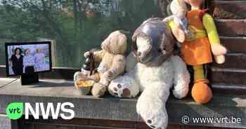 Knuffelbeer aan raam in Nazareth beleeft 80 dagen corona-avonturen - VRT NWS
