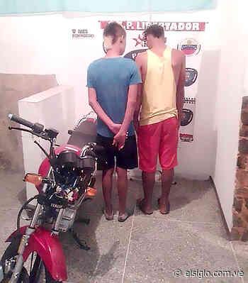 Capturados dos arrebatadores de celulares en Palo Negro - Diario El Siglo