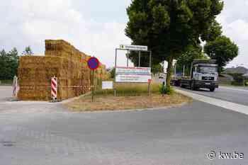 Buurtbewoners Meulebeke krijgen geluidsmuur van stro - Milieu & natuur - Krant van Westvlaanderen