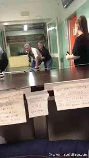 Risse e coltellate al pronto soccorso di Villa dei Fiori ad Acerra (VIDEO) - Napoli Village - Quotidiano di informazioni Online