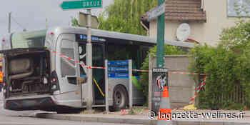 Un bus s'encastre dans un pavillon - La Gazette en Yvelines