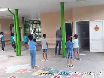 SAINT-CLAUDE. Un retour sur les bancs de l'école dans la sérénité - Éducation en Guadeloupe - France.Antilles.fr Guadeloupe