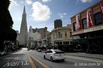 Estátua de Cristóvão Colombo é removida de San Francisco - Istoe