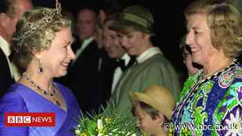 Dame Vera Lynn: Royalty and Sir Paul McCartney lead tributes - BBC News