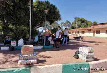 Pobladores de Las Petas llegaron hasta San Matías para cobrar su Bono Universal - EL DEBER