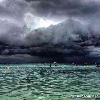 Puglia: pomeriggio carico di temporali, cielo da lupi a Torre Lapillo - InMeteo