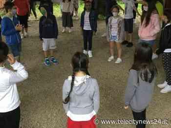 Il sindaco di Ovada saluta i bambini delle classi quinte della scuola Primaria - Telecity News 24