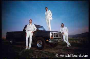 Watch The Killers Play a Mini Set That Includes a Jimmy Buffett Classic - Billboard