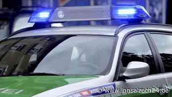 Burgkirchen-an-der-Alz: Unfall in Kreisstraße AÖ10 mit Traktor und Auto   Polizeimeldungen - innsalzach24.de