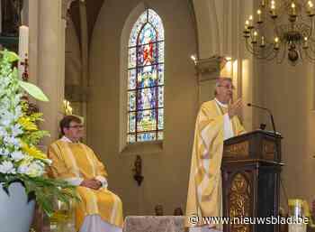"""Bisschop Bonny looft inspanningen van parochieteam: """"Kerk is voorbeeld van coronaveiligheid"""""""