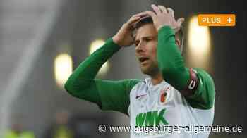 Es sind schwierige Tage für FCA-Kapitän Daniel Baier - Augsburger Allgemeine