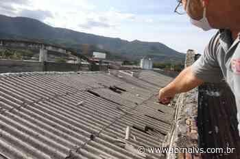 Após ventania, prédio da prefeitura de Nova Hartz perde totalmente o telhado - Jornal VS