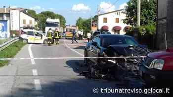 Montebelluna. Porsche contro la Panda di servizio. Postina gravissima - La Tribuna di Treviso