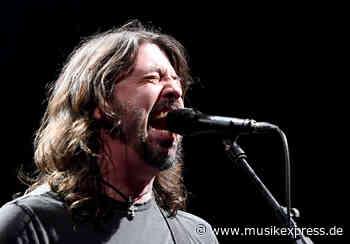 Foo-Fighters-Frontmann Dave Grohl wird seine Memoiren schreiben - musikexpress.de