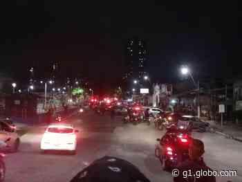 Bandidos se entregam após fazer reféns dentro de veículo na Pedreira, em Belém - G1