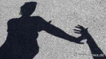 Übergriff in Neufahrn bei Freising: Sex-Täter auf einem Fahrrad belästigt drei Frauen - idowa