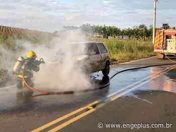 Veículo é atingido por incêndio em Turvo - Engeplus