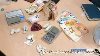 Valmontone, spaccio a domicilio. Arrestato con oltre 100 gr di droga ed 8 mila euro in contanti - FrosinoneToday