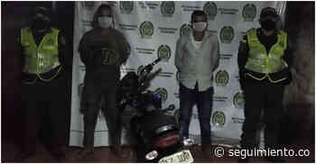 Se paseaban por Chibolo en moto robada en Barranquilla y fueron capturados - Seguimiento.co