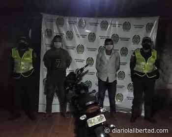 Caen dos sujetos que se movilizaban en una moto robada en Chibolo, Magdalena - Diario La Libertad