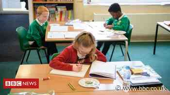 Coronavirus: All children in England 'back to school in September'