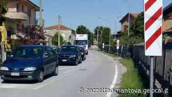 Attese troppo lunghe ai passaggi a livello di Suzzara, aumentano le proteste - La Gazzetta di Mantova