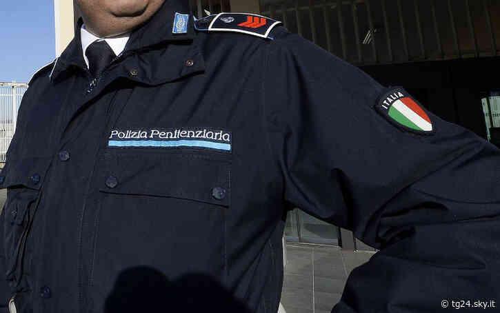 Carceri, a Santa Maria Capua Vetere 130 agenti in malattia per stress - Sky Tg24